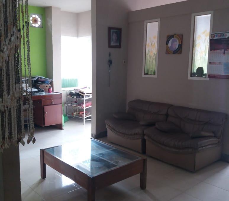 Alamat rumah jl. Sutomo 55 Grya Praja Asri Jatisela 83351 (16)