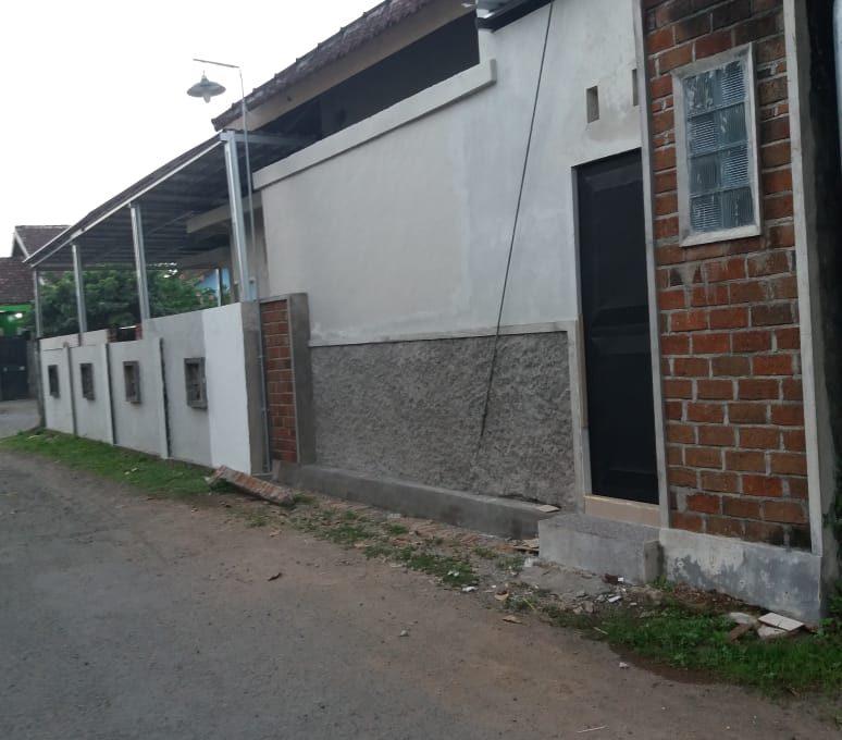 Alamat rumah jl. Sutomo 55 Grya Praja Asri Jatisela 83351 (4)