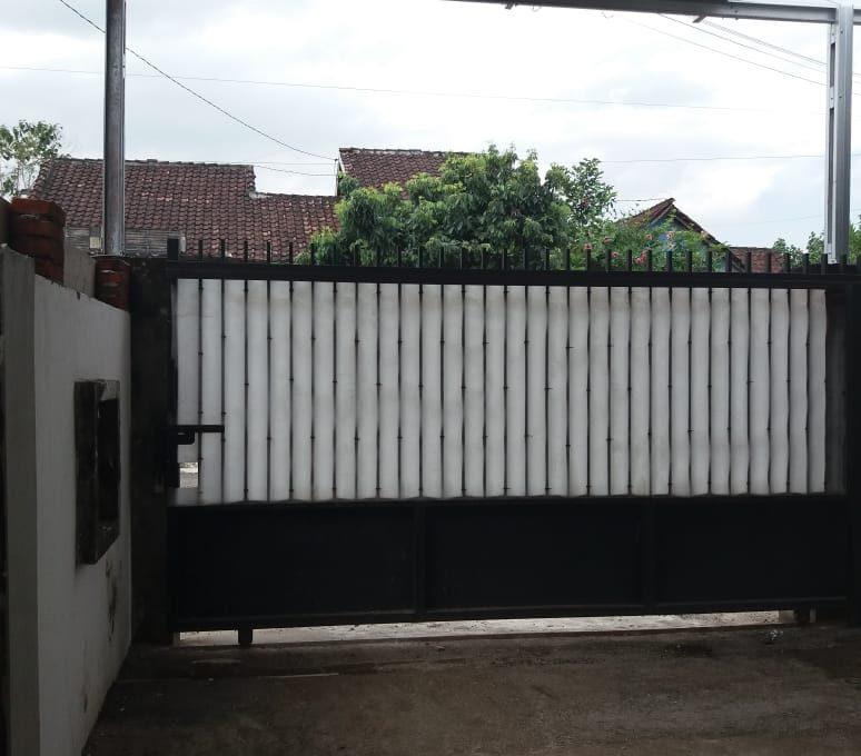 Alamat rumah jl. Sutomo 55 Grya Praja Asri Jatisela 83351 (6)