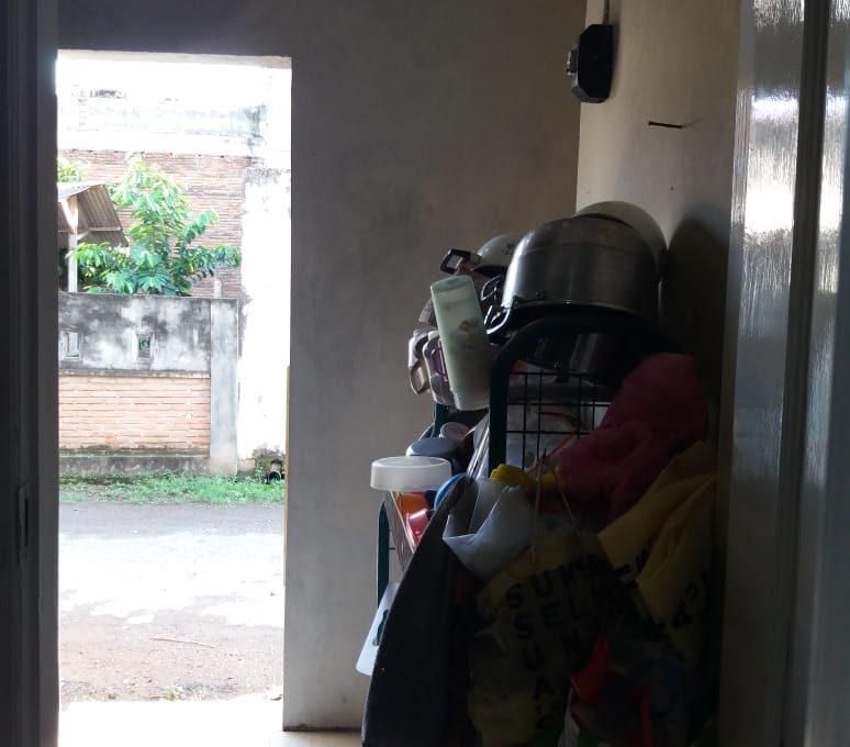 Alamat rumah jl. Sutomo 55 Grya Praja Asri Jatisela 83351 (67)