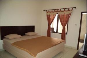 Hotel Arum jaya, terluas dikota Mataram 14.300 m2