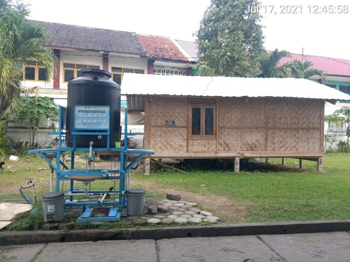 Rumah kayu panggung ukuran 8 x 4 meter